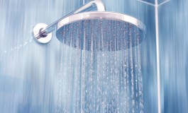 Hot Winter Showers Can Be Harmful To Skin Care